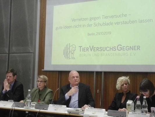 Im Berliner Abgeordnetenhaus zur Veranstaltung der Tierversuchsgegner Berlin und Brandenburg e.V.