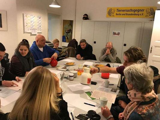 "Treffen  ""Bündnis - Berlin gegen Tierversuche"""