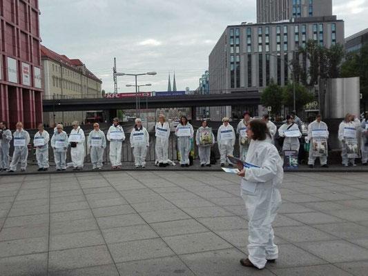 """Silent line zum """"Internationalen Tag gegen Tierversuche """" 2019 von unserem """"Bündnis - Berlin gegen Tierversuche"""""""
