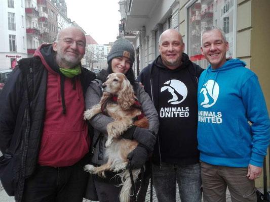 bmt Berlin, Aktion fair play und Animals united Bremen zusammen in Berlin