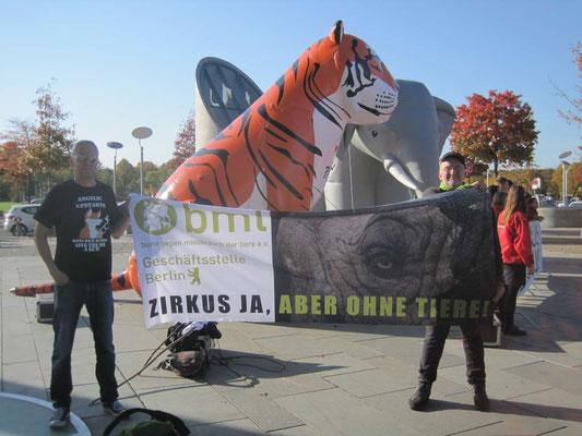 Demo vor dem Dt. Bundestag für ein Wiltierverbot in Zirkussen 14.10.19