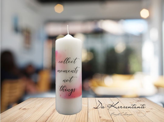 "Spruchkerze ""collect moments not things"", Maße: 20x7cm, Preis: EUR 9,00"
