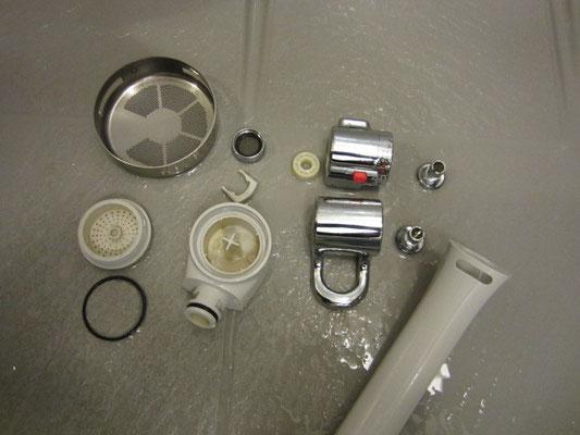 カラン(水栓蛇口)洗浄 バスルームクリーニング