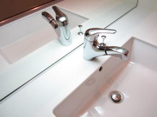 洗面台カラン(水栓蛇口)清掃 水垢除菌洗浄 洗面台クリーニング