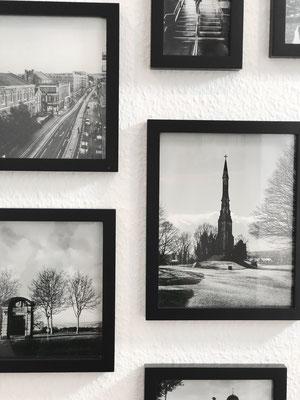In Sheffield machte Justin seinen Master in Graphic Design. Die Bilder im Flur erinnern an die Zeit.