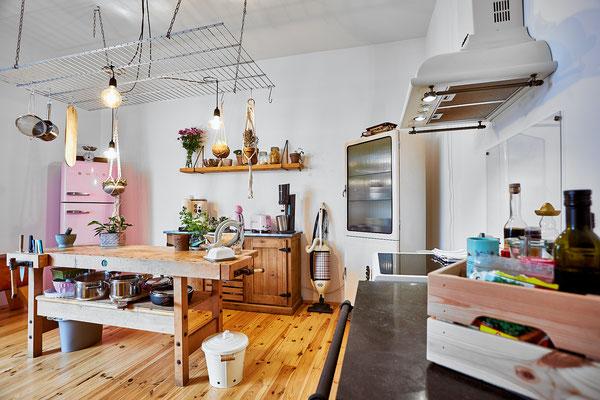 In der Küche wurden verschiedene Stile und Jahrzehnte gekonnt kombiniert.