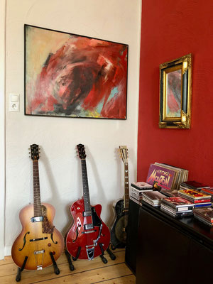 Das Bild ist ein Hochzeitsgeschenk, die Gitarren werden von Alex gespielt