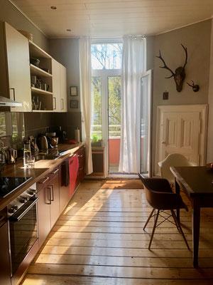 Ein großer Luxus der Küche ist der Zugang zum Balkon.