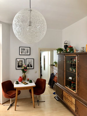 Die Wohnküche ist der zentrale Raum der Wohnung.