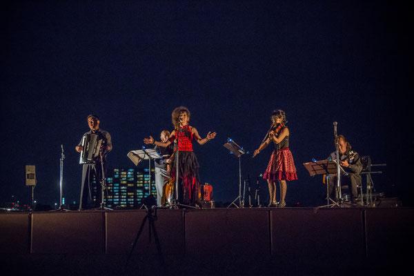 2016年度『千人の月見の宴』2016年『千人の月見の宴』の様子です。月下で演奏するLAST TANGOのライブ。
