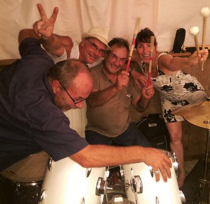 Kurz vor der Sommerpause haben wir mit unseren Fans noch gefeiert und ordentlich Musik gemacht! Schee war's !