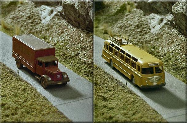 """""""Auf der Bergstrasse, Richtung Tal, unterwegs"""" -  der """"Mercedes-Benz-Möbeltransport - Max Marotzke"""" (verbessertes Wiking-Modell) und der tolle """"Büssing-Post-Bus"""" (Weißmetall-Handarbeitsmodell von Marks). Straße: Eigenbau; Begrünung: Woodland Scenics."""