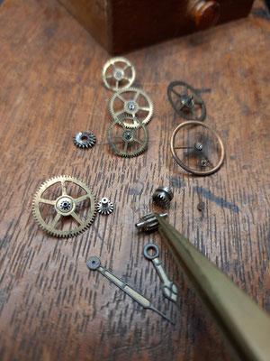 Reparatur Uhrwerk Vintage Uhrmacherwerkstatt im Schwarzwald in Elzach und Umgebung