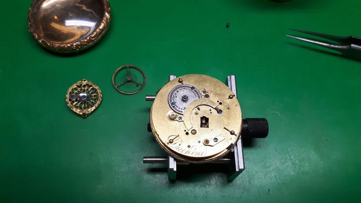 historische Spindeltaschenuhr Uhrmachermeisterwerkstatt Nierholz im Schwarzwald in Elzach und Umgebung