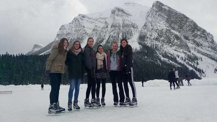 Gemeinsame Runden auf dem zugefrorenen See