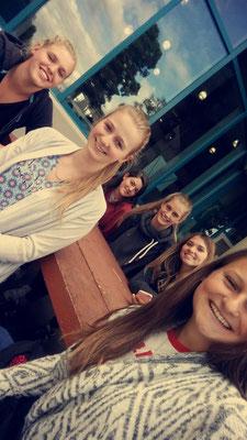 Teresa mit ihren kanadischen Freundinnen