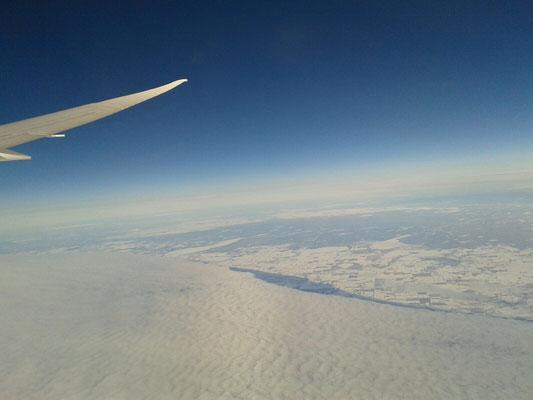 Anflug auf Kanada - während des Flugs ist Julia sehr aufgeregt