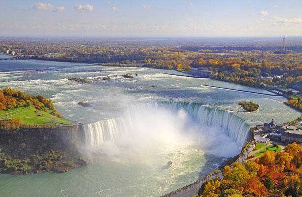 Die Niagarafälle im Herbst