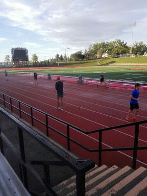 Das Leichtathletik-Training an Annas Schule ist anstrengend und anspruchsvoll, macht aber riesigen Spaß