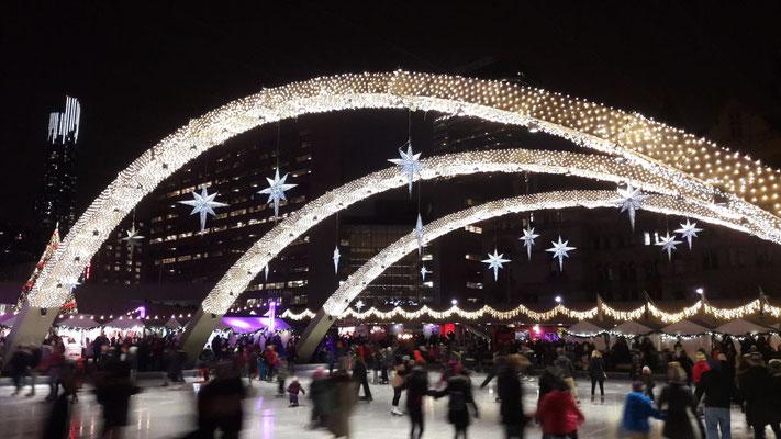 Toronto im weihnachtlichen Winterglanz.