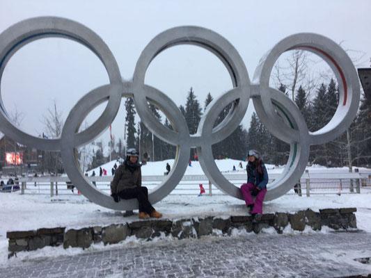Janina und ihre Freundin am ehemaligen Olympiastandort Whistler