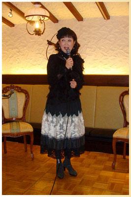 鴻江メアリ先生