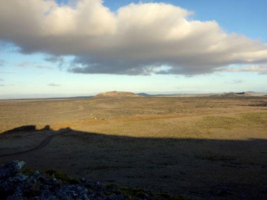Ausblick über herrschende Pampa im Pali Aike