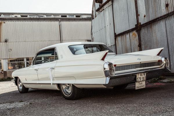 Cadillac Fleetwood 60 Special Jahrgang 1962 Weiss 6 Personen  hubers-oldtimerfahrten.jimdo.com