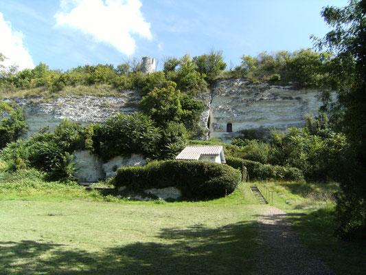 Ermitage monolithe saint Martial Copyright SFES