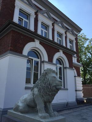 Restaurierung Fassade Klinker Fugen Stuck Löwenburg Meerbusch