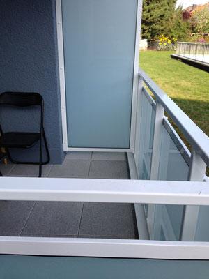 Trennwände aus Glas und Geländer