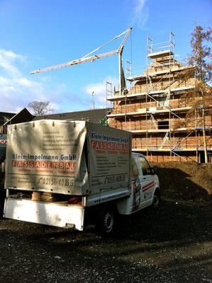 Restaurierung und Denkmalpflege hier an Beispiel Helmeshof durch den Einbau einer nachträglichen mechanischen Horizontalsperre im Mauersägeverfahren der Firma Prinz