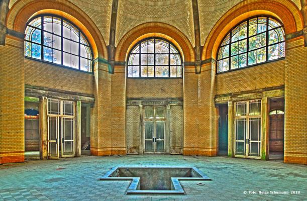Baderaum Kuppelhalle