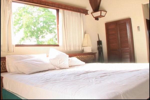 ein Bett zum rumhüpfen (wie man sieht in den Videos)