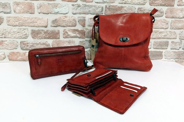 vlnr: Portemonnaie - 35 € Portemonnaie - 49 € Handtasche Marylin - 85 €