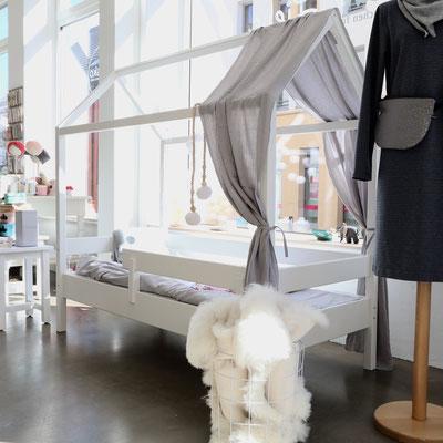kindken Hausbett in der kleinen Liebe _ Verkaufsraum