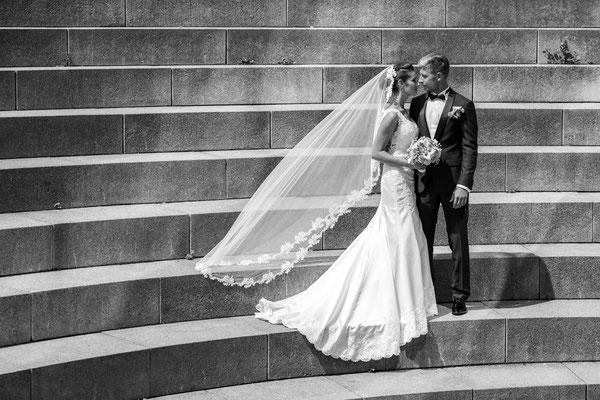 Brautpaar, Bräutigam, Braut, Hochzeit, Shooting, Fotograf, treppen, stufen, Ulm