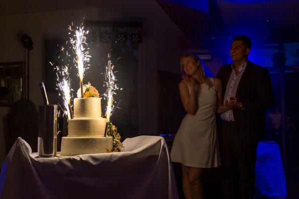 Hochzeitstorte, Torte, Hochzeit, glück, Hochzeitspaar, Brautpaar, Feuerwerk, Paar, couple, Party, feiern
