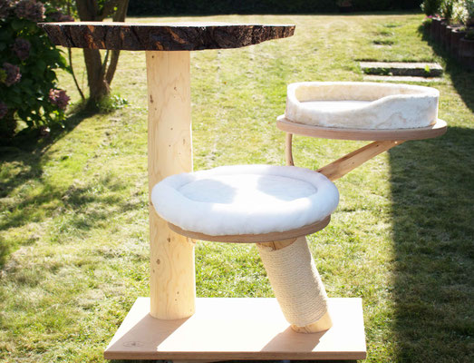 kratzb ume aus naturholz lebens t r ume f r katze und mensch katzenm bel onlineshop. Black Bedroom Furniture Sets. Home Design Ideas