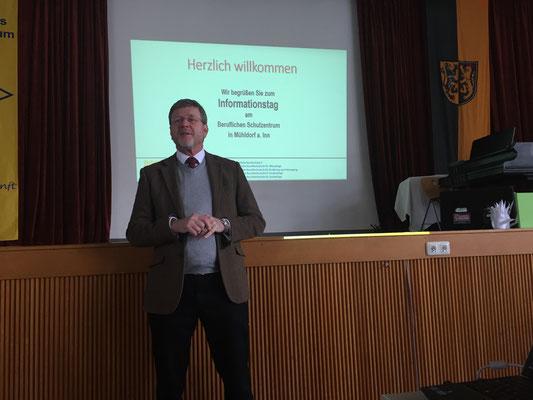 Staatsminister Marcel Huber stellte sich den Fragen der Schüler