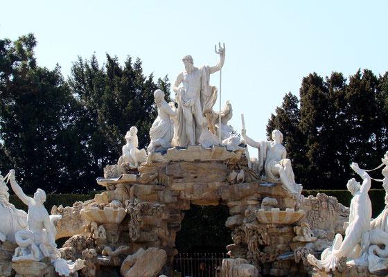 Neptun Brunnen