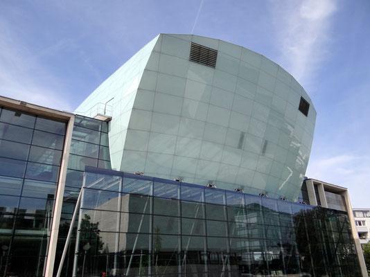 Festspielhaus - von Architekt Klaus Kada erbaut und 1997 eröffnet