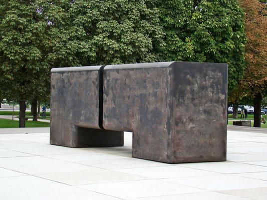 das Denkmal der Exekutive ist den Polizisten und Gendarmen gewidmet, die im Dienst getötet wurden nächst Äußerem Bugtor