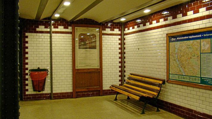 Metrostation Vörösmarty tér