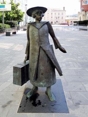 Alma M. Karlin - Schriftstellerin, Weltreisende, Forscherin, Polyglotte, Theosophin und Weltbürgerin ist eine eminente Persönlichkeit