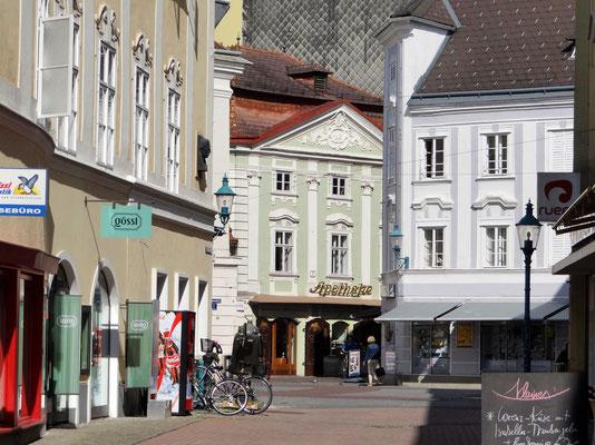 die Löwen Apotheke besteht seit 1545 und ist somit auch das älteste Geschäft von St. Pölten