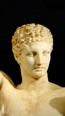 der Hermes des Praxiteles, 330 v. Chr.