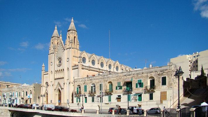 Carmelite-Parish-Church an der Balluta Bay in Sliema