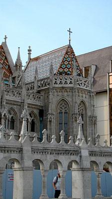 Detail an der Matthiaskirche, die zur Zeit eingerüstet ist (9/09)