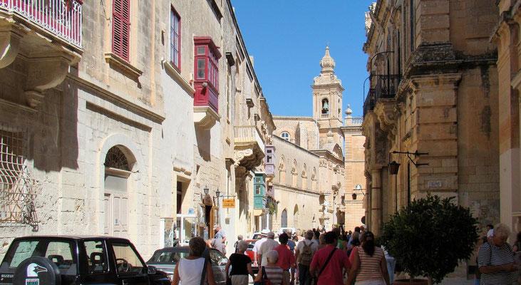 Villegaignon Street mit dem Karmeliterkloster